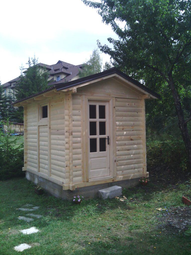 drvena baštenska kućica